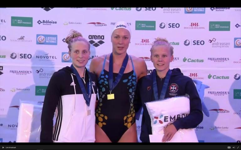 Mit der Weltrekordlerin auf dem Podium. Reva Foos zeigt starke Frühform in Luxemburg.